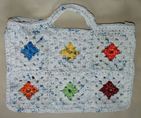 Colorful Recycled Granny Motif Bag - Free Pattern Links ...