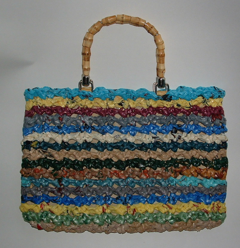 Crochet Purses And Bags : ... and Crochet Pattern Chat: Plarn Bag or Purse Recycled and Crocheted