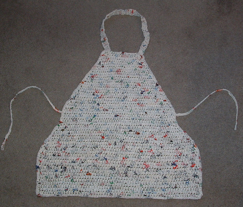 Free Crochet Patterns Plarn Bags : Plarn Apron Pattern My Recycled Bags.com