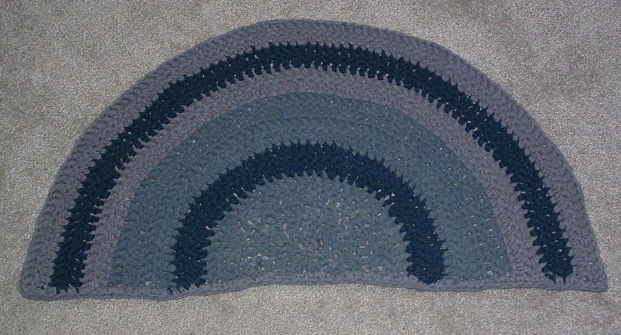 Donna's Crochet Designs Blog of Free Patterns: Loop Rectangle Rug
